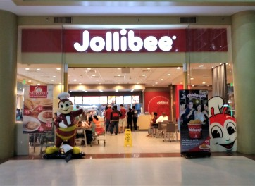 a Jollibee fast food restaurant at the Puerto Princesa mall
