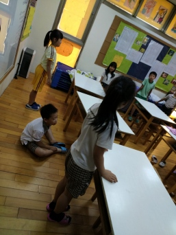 2nd graders sitting on the floor.